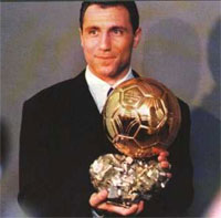 Stoichkov_Golden_ball.jpg